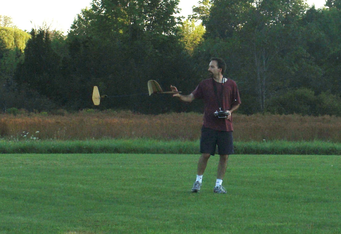 Discus Launch Free Flight Glider http://www.jonshobbies.com/spirit-100-glider-first-fpv-flights-ots-discus-launch-glider.html