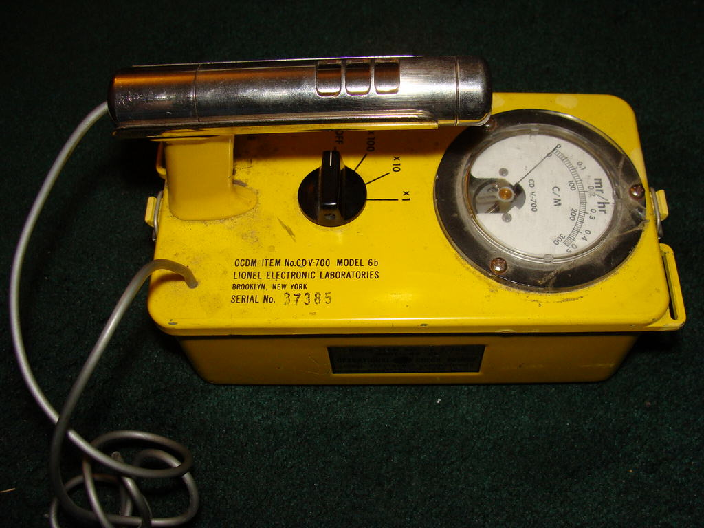 Civil Defense Lionel CD V-700 Model 6b Geiger Counter